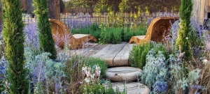 bespoke-hardwood-garden-furniture