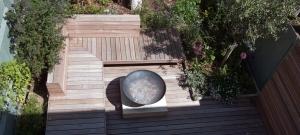 brighton-courtyard-built-in-hardwood-seating